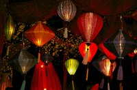 Make a replica of traditional Chinese lanterns out of paper.