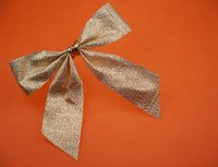 You can easily repair wrinkled or crushed bows.