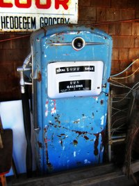 Vintage gas pumps can be expensive and hard to find, so why not make one?