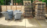 Pallets are often available for free.