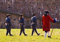 Minutemen dressed in daily clothes rather than uniforms as the British soldiers wore.