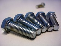 Corrosion-resistant stainless steel bolts are harder to identify without industry-standard head markings.