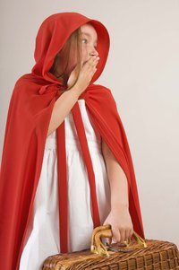 A simple cape with a hood is made with felt.