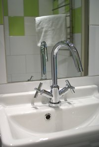 Can I Use a Kitchen Faucet in the Bath? | eHow