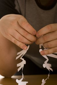 Paper chains are a simple way to decorate for the holidays.