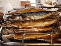 Though the whole fish is very different, smoked trout is an ideal smoked salmon substitute.