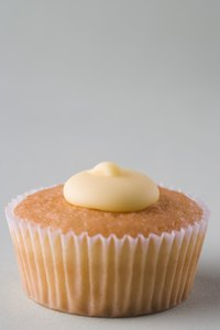 Flat, matte frosting works best on relatively flat cupcakes.