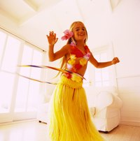 Make a grass skirt in any color for a bright and colorful luau party.