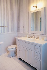 Free-standing vanities work in a variety of bathroom decors.