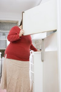 Remove smells from a defrosted freezer with items in your home.