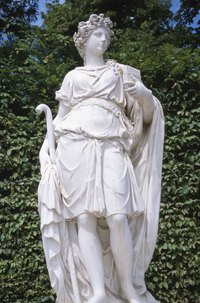 Drape a toga around boys or girls to create a decorative Greek god costume.