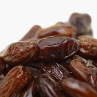 Dates must be fully ripe before they reach their peak flavor.