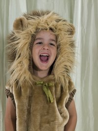 Make a handmade lion's mane headband using basic craft supplies.