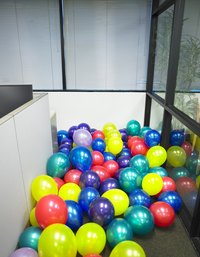 Turn a flat roomful of balloons into a bobbng balloon chain.