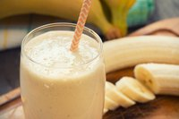 Garnish your smoothie with slices of fresh banana.