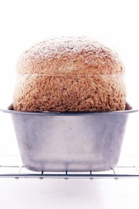 A lined loaf pan produces the same results as a greased pan.