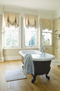 Clawfoot tubs have a classic, antique look.