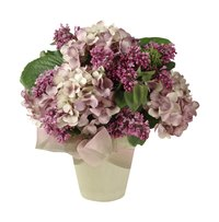 Large hydrangea blossoms make beautiful summer centerpieces.