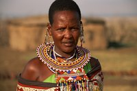 Make a collar necklace in the style of the Maasai people.
