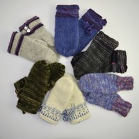 Once you get the basics down, you can make any kind of mitten you like!