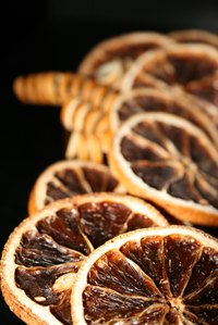 Dried citrus creates a pleasant potpourri aroma.