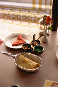 Poppadoms can be served as an appetizer or along with the main meal.