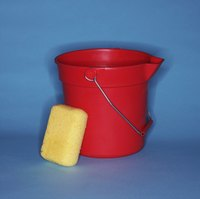 Use a plastic bucket as an ice candle mold.