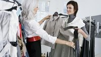 How Much Money Do Fashion Consultants Make?
