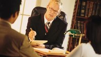 Types of Resumes for a Legal Advisor