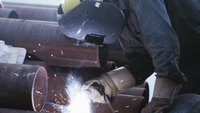 What Are the Work Conditions for a Pipeline Welder?