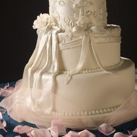 cutting of wedding cake symbolism the meaning of traditional wedding cakes ehow 13293
