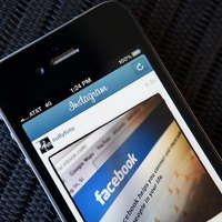 Cómo cambiar usuarios de Facebook en Android Incredible