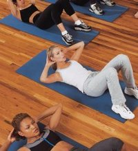 Curl Ups vs. Sit Ups. The purpose of doing curl-ups and sit-ups is to strengthen the abdominal muscles, particularly the rectus abdominis. Having ...
