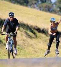 Is Bicycling or Rollerblading the Better Workout?. If you're trying to decide between two workouts, it's often a good idea to look at the facts. If ...