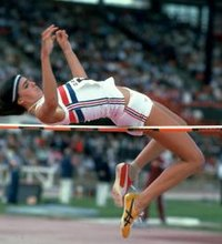 How to Improve in the High Jump. High jumpers are required to have strong, explosive jumping skills while synchronizing speed, timing and body ...