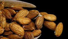 Nutrition Information: Raw Almonds Vs. Roasted Almonds