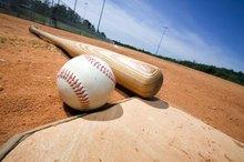 Differences Between Baseball & Softball Balls