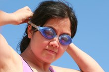 How to Adjust the Strap on Swimming Googles