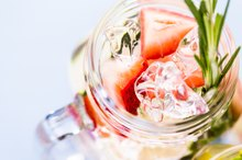 Healthy Ways to Flavor Water for Bodybuilding