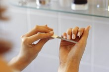 Symptoms of Malnutrition in the Fingernails