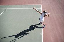 The Differences Between Tennis & Badminton