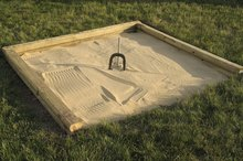 What Are the Dimensions of a Horseshoe Pit?