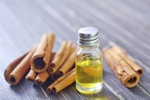 Are Cinnamon Oil & Cinnamon Extract the Same?