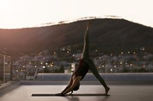 A 4-Minute Yoga Routine to Banish the Blues