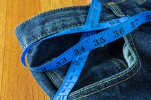 What Is Considered a Slim Waist Size?