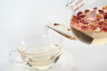 What Teas Are You Supposed to Drink on the HCG Diet?