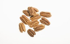 How to Treat Pecan Trees That Have Worms in the Nuts