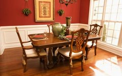 How to Care for a Veneer Dining Table