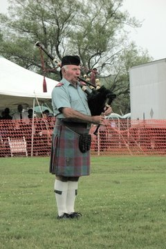 The bagpipe is generally used at Scottish funerals.