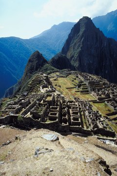 This high-altitude wonder attracts visitors from all over the world and is proof of Inca ingenuity.